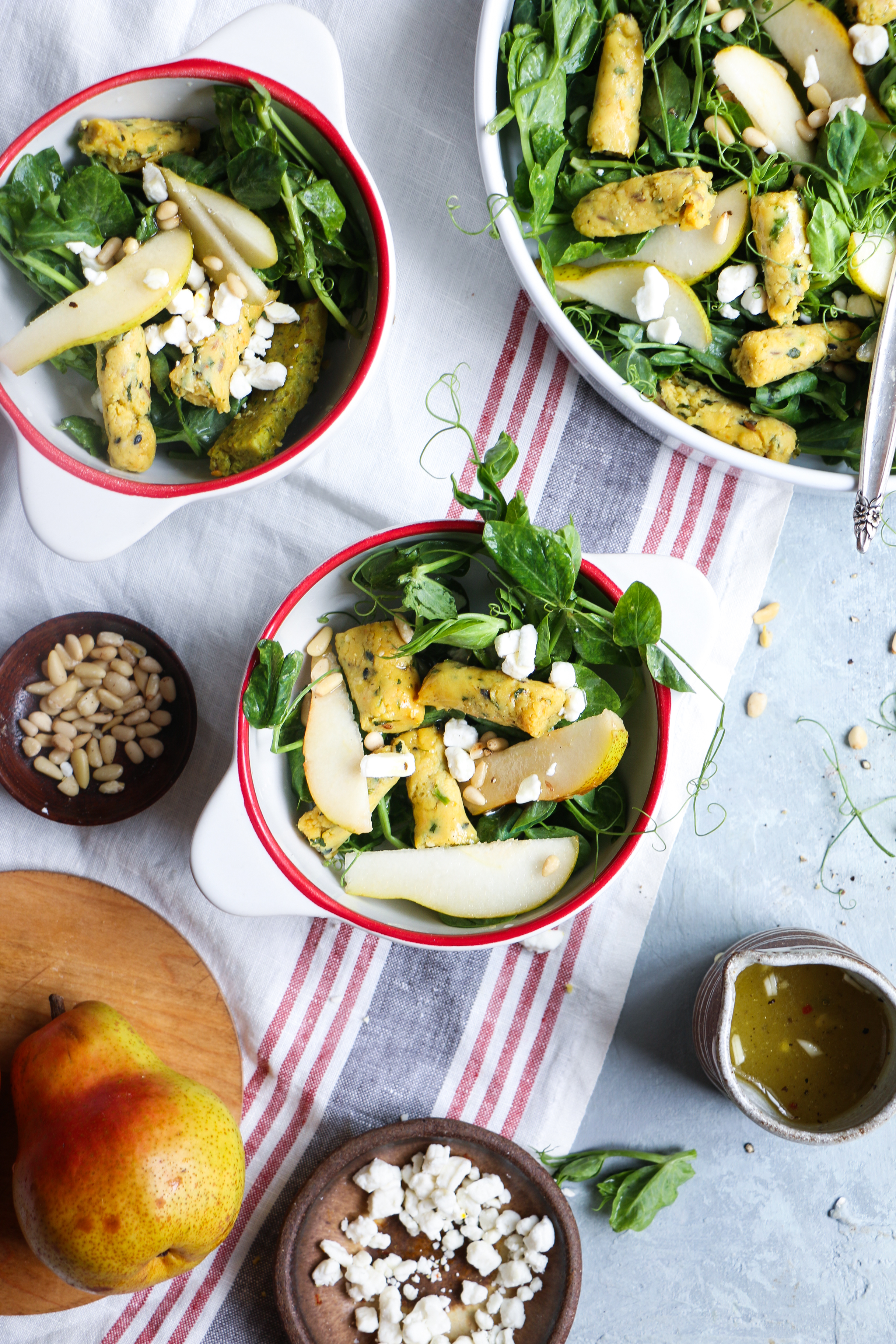 Spicy Chickpea rolls/Muthiya salad with peach and goat cheese foodfashionparty  #healthysalad #indiansalad