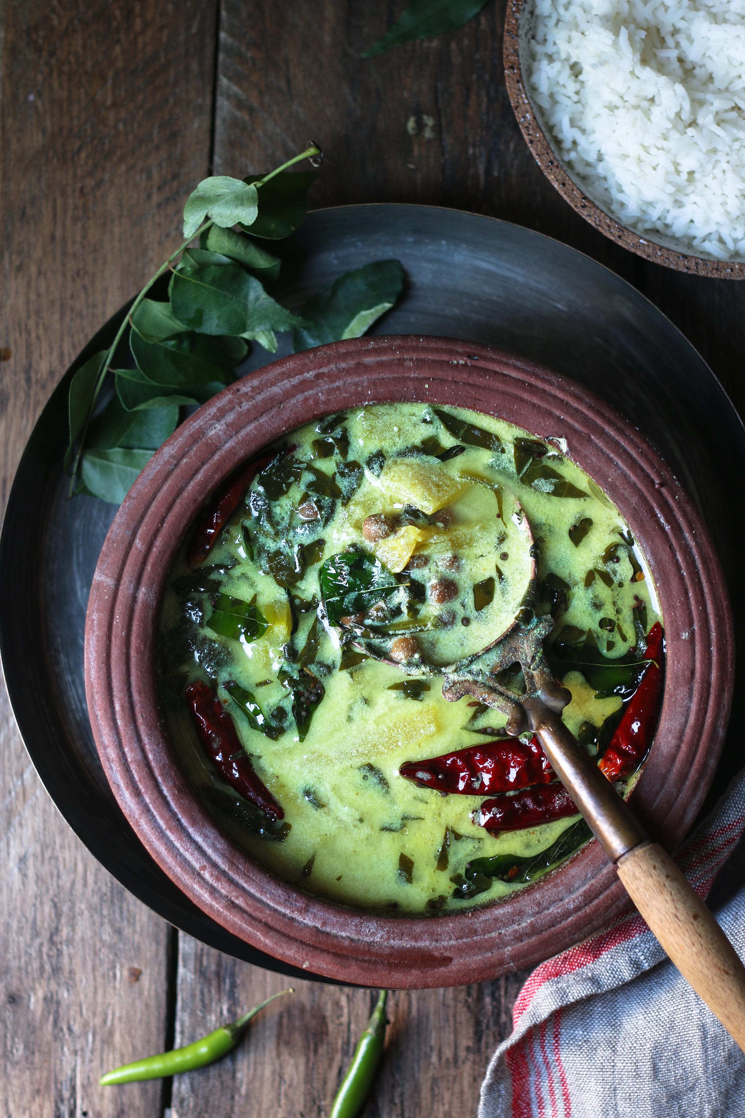 Pineapple-Black-Chickpea Spinach Yoghurt Curry aka Pineapple-kadala pulicherry/morkohumbu |foodfashionparty| #indiancurry