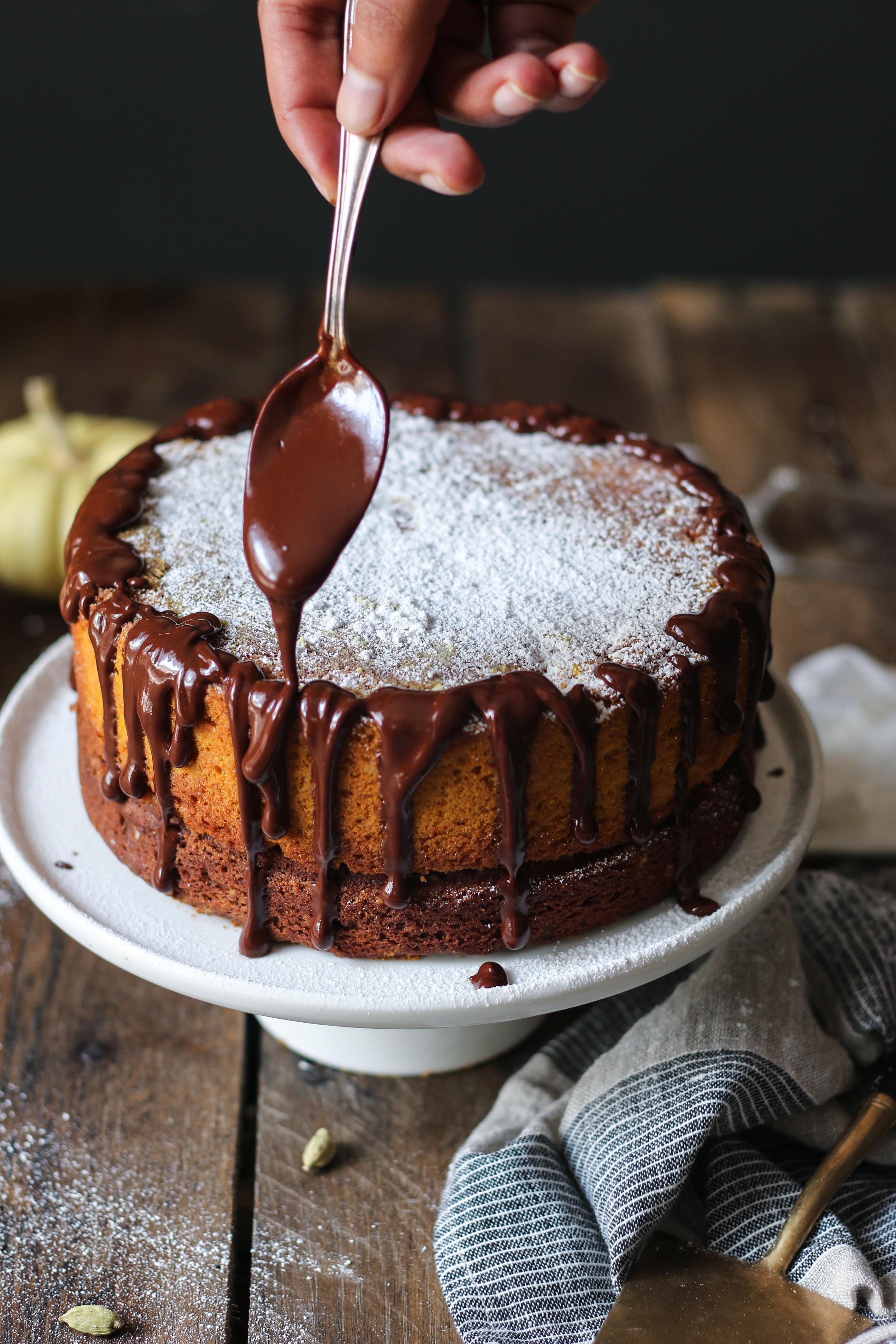 PUMPKIN CAKE - Brown Butter Pumpkin Chocolate Cake with Saffron and Cardamom |foodfashionparty| #pumpkincake