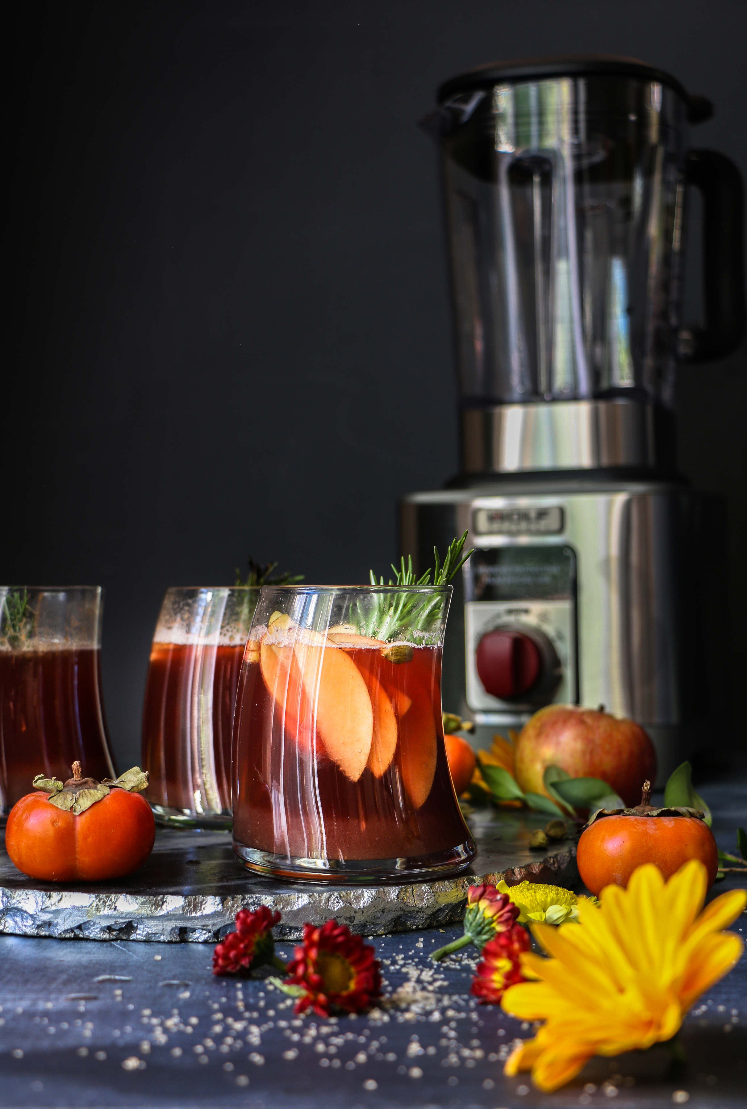 Spiced Maple Apple-Persimmon Sangria  foodfashionparty  #giveaway #autumncocktail
