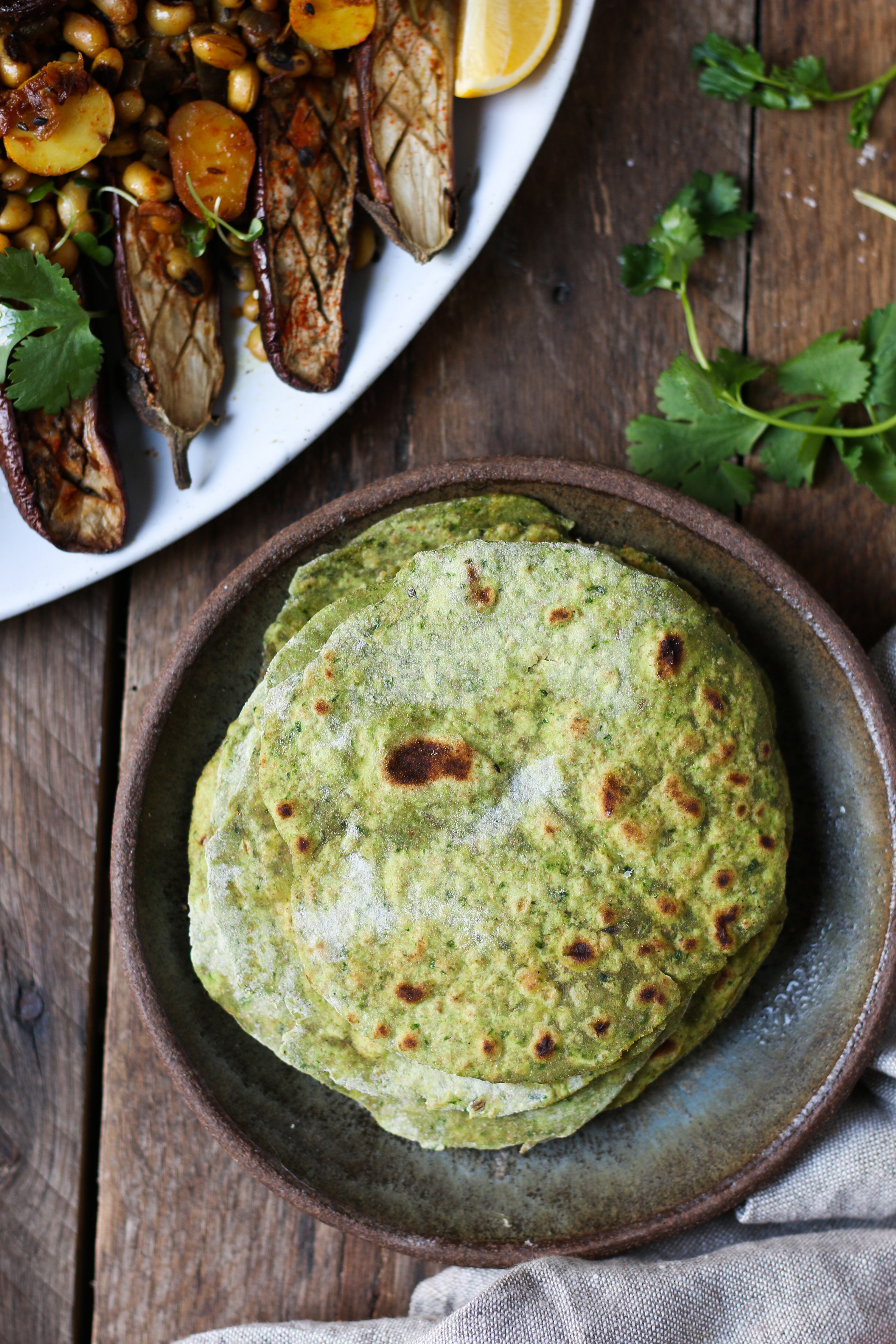 Easy Spinach Rotis with Black Eyed Peas Curry  foodfashionparty  #roti