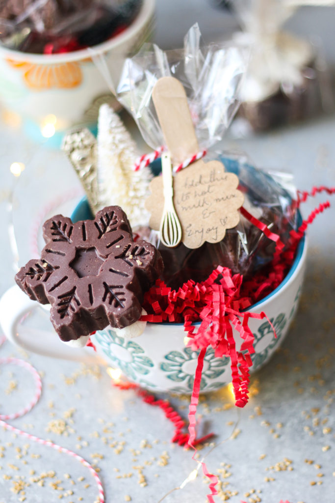 Hot Chocolate in a Stick |foodfashionparty| #hotchocolate #ediblegifts