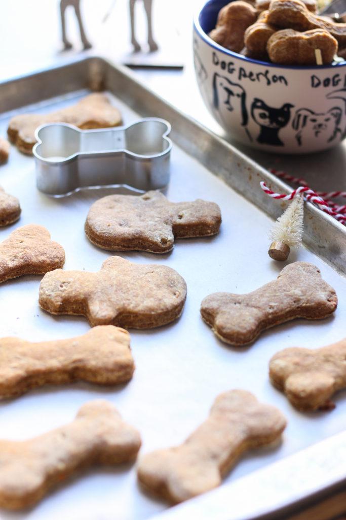 Homemade dog treats - Banana and Peanut butter  foodfashionparty  #dogtreats